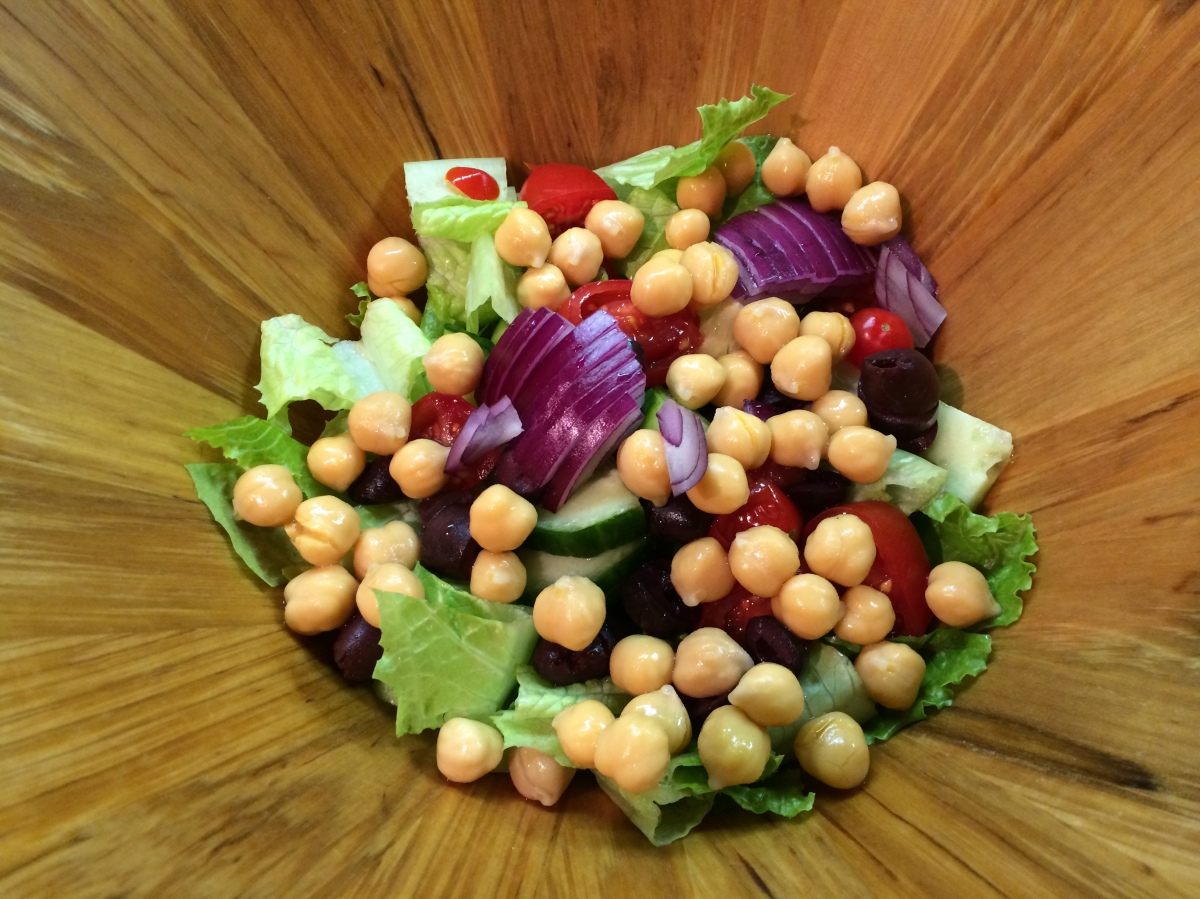 RECIPE // Mediterranean Salad